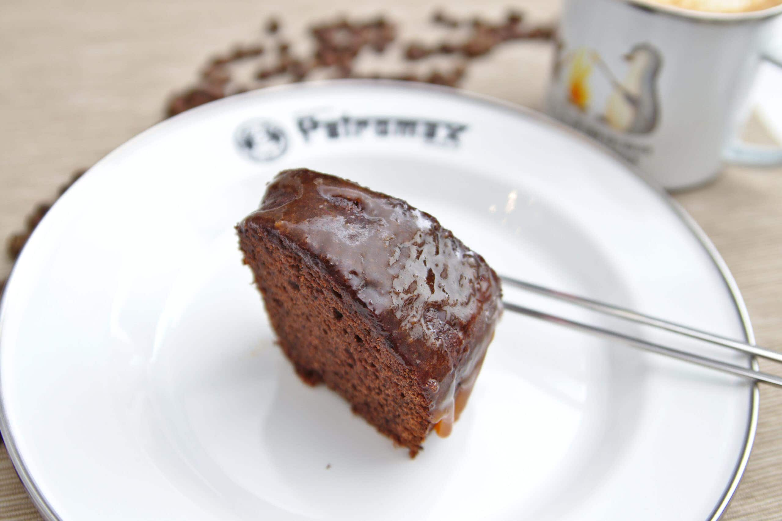 Espresso-Schoko-Kuchen mit Karamell aus dem Omnia